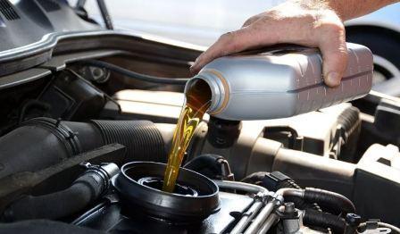 Какое масло заливать в двигатель синтетика