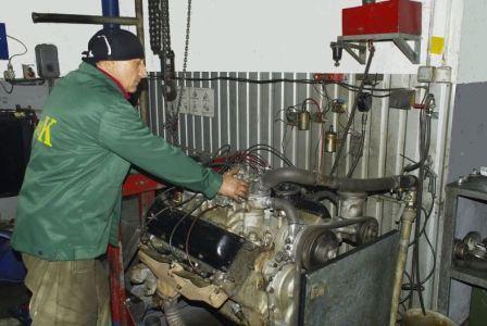 После замены поршневых колец двигатель дымит