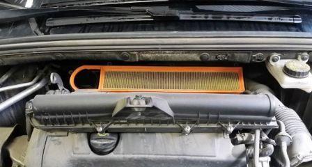 Замена воздушного фильтра Пежо