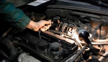Почему троит двигатель
