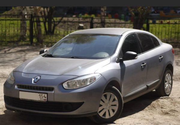 Представительный Renault Fluence 2011