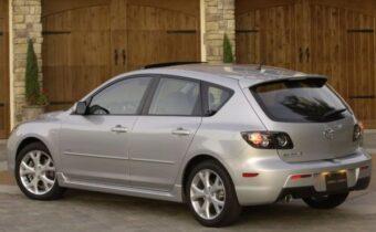 Отзывы автовладельцев об автомобиле Mazda 3