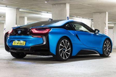 Гибридный спорткар BMW i8