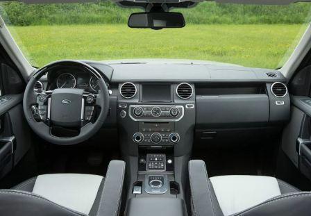 Британский внедорожник Land Rover Discovery 2014