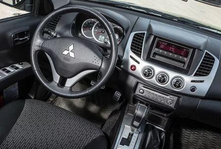 Обновленный японский пикап Mitsubishi L200