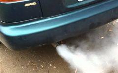 Определяем неисправность двигателя автомобиля по цвету выхлопа и думаем, как с этим жить